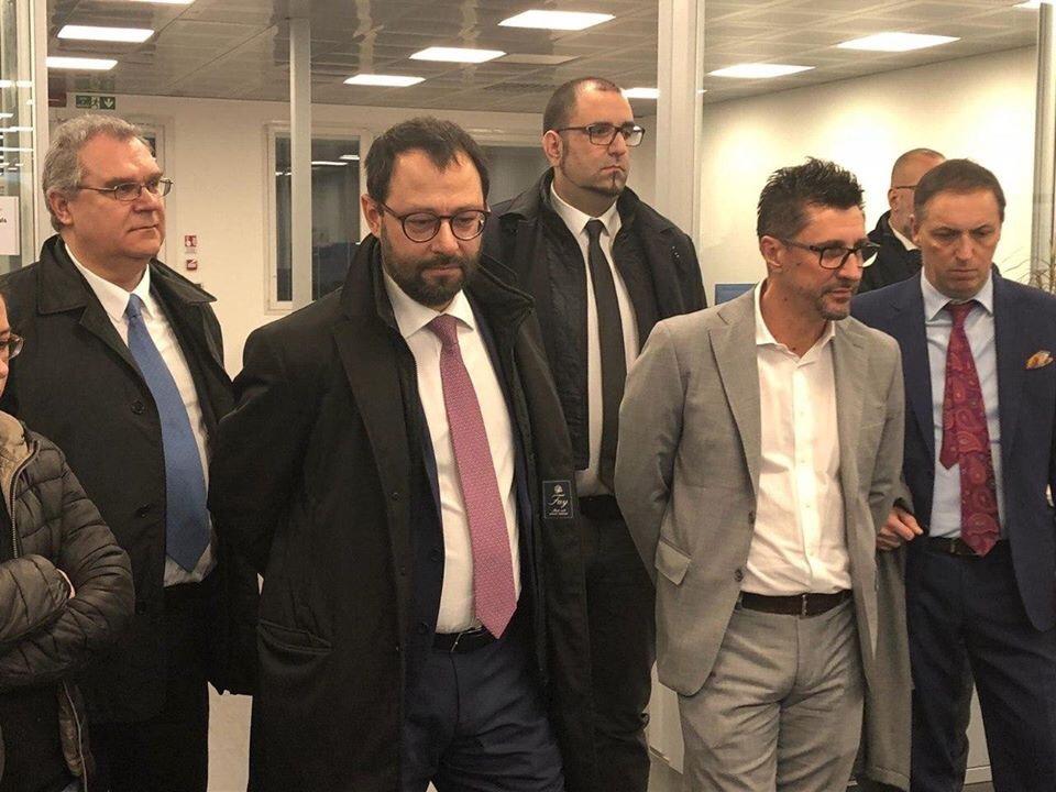 IL MINISTRO PATUANELLI IN VISITA ALL'ELECTROLUX DI PORCIA - m5stelle.com - notizie m5s